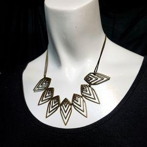 NWT Paparazzi Chevron Necklace & Earrings Set